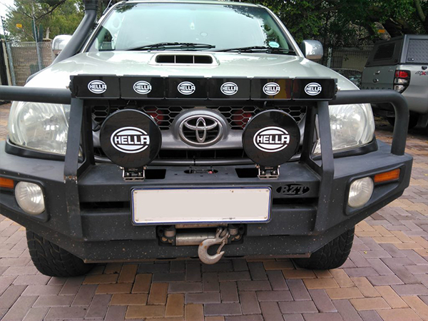 TOYOTA-HILUX-HELLA-VALUE-FIT-COVERS-1024x768